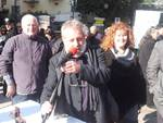 In primo piano il portavoce del comitato Terre Joniche, Gianni Fabbris