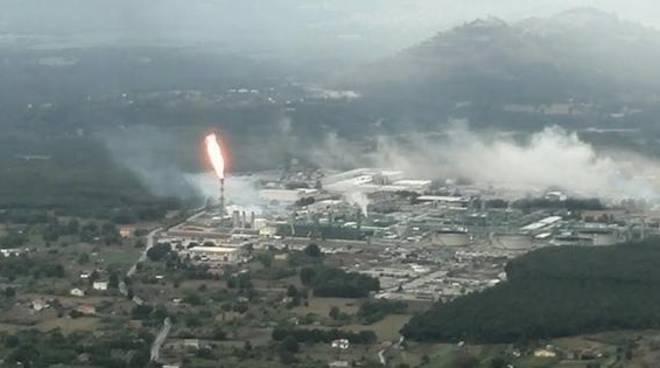 Una fiammata al Centro Oli di Viggiano