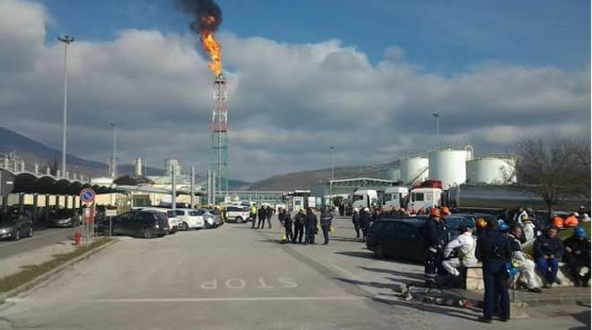 Centro Oli Viggiano, una delle tante fiammate dei mesi scorsi