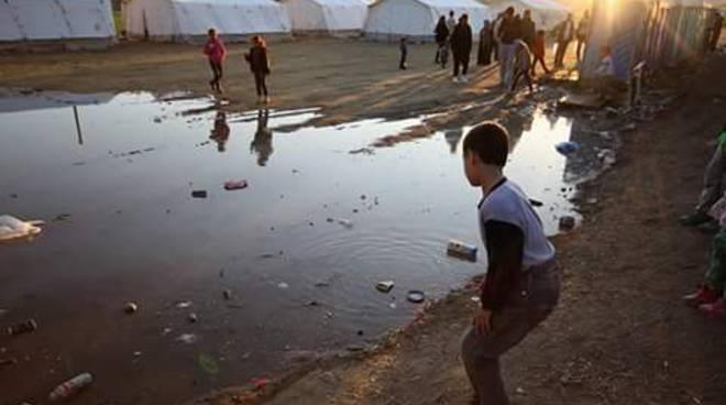 Il campo profughi di Indomeni
