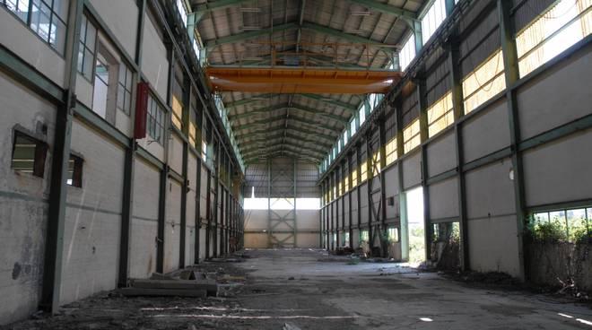 Interno di una fabbrica dismessa della Valbasento