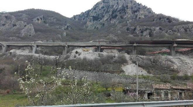 Raccordo, il viadotto chiuso