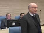 Sindaco de Luca, alle sue spalle il presidente del Consiglio comunale, Petrone (foto trmtv)