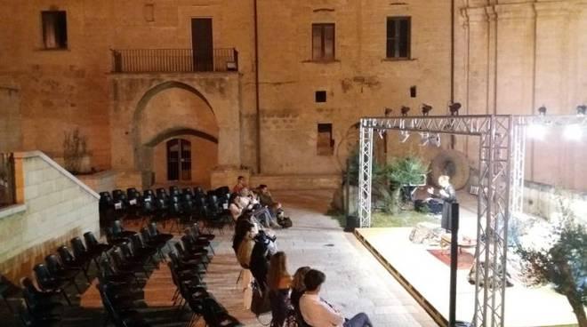 Spettacolo teatrale con Debora Caprioglio a Matera (Foto: sassilive.it)