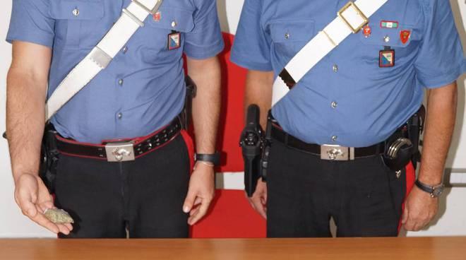 Carabinieri di Venosa con droga e soldi sequestrati ai due giovani