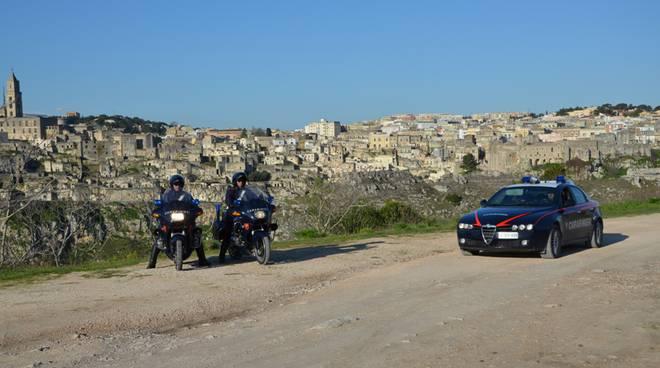 Carabinieri di Matera durante i controlli