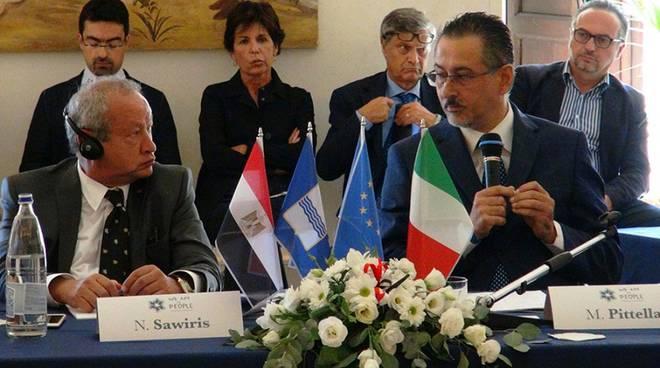 Il magnate egiziano Naguib Sawiris e il presidente della Regione Basilicata, Marcello Pittella