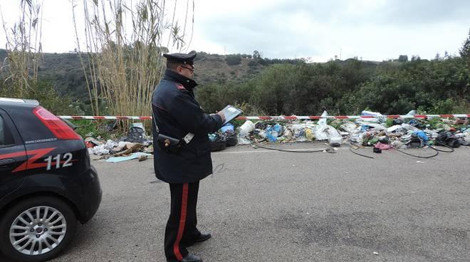 Carabinieri e rifiuti