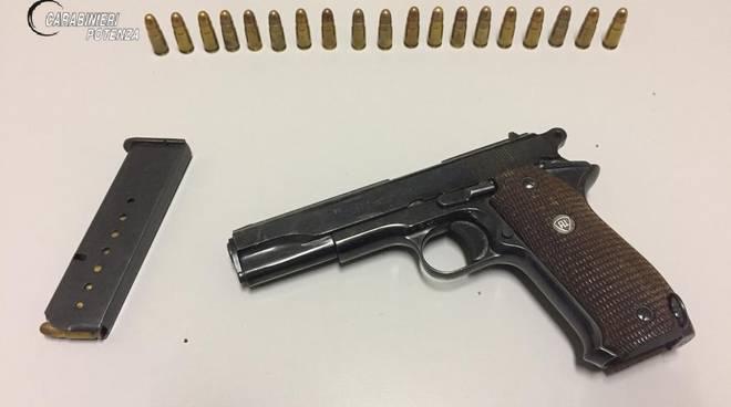 Pistola sequestrata