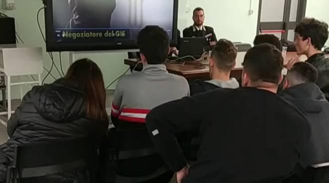 Carabinieri a scuola Matera