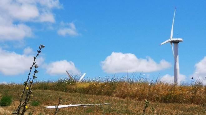 Pala eolica rotta, Avigliano
