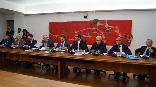 Conferenza stampa Giunta su petrolio