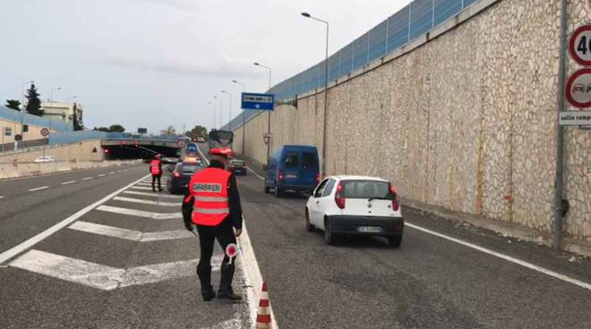 Carabinieri, posto di blocco Scanzano