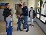 Polizia in visita nel reparto pediatrico