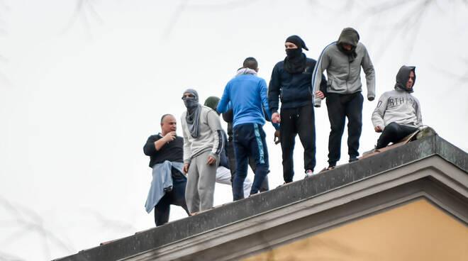 rivolta detenuti