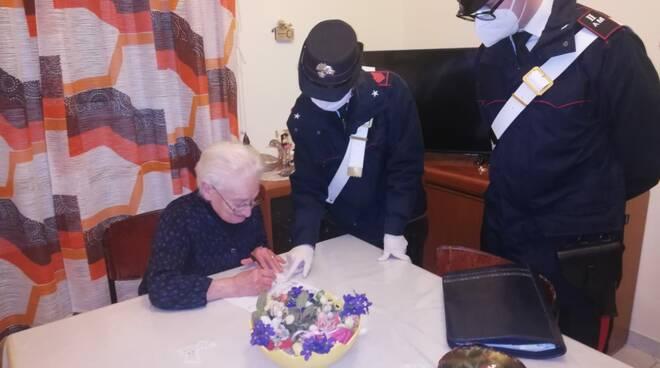 Carabinieri ritirano e consegnano pensioni
