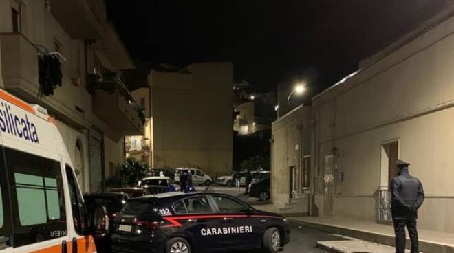 Un momento del blitz carabinieri
