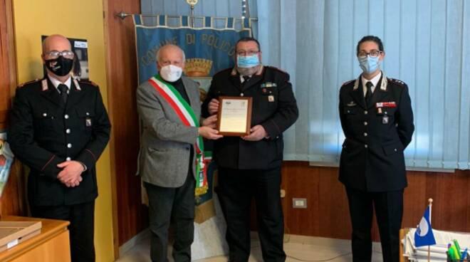 Consegna targa carabinieri