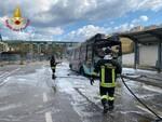 Autobus Trotta in fiamme