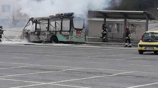 Autobus Trotta incendio
