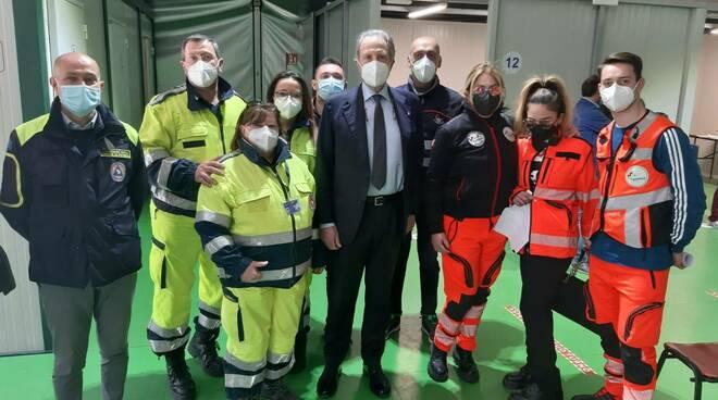 Bardi con il personale della Protezione civile