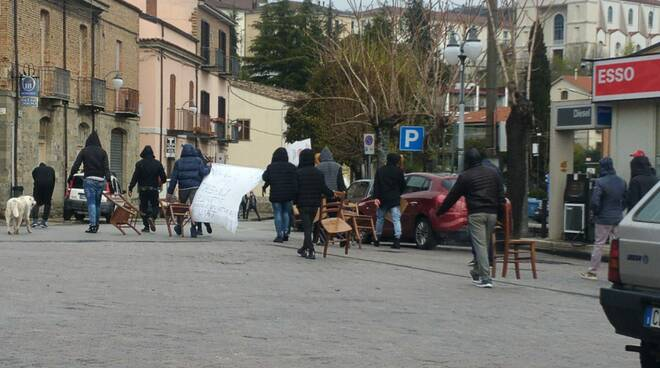 Protesta migranti Corleto Perticara